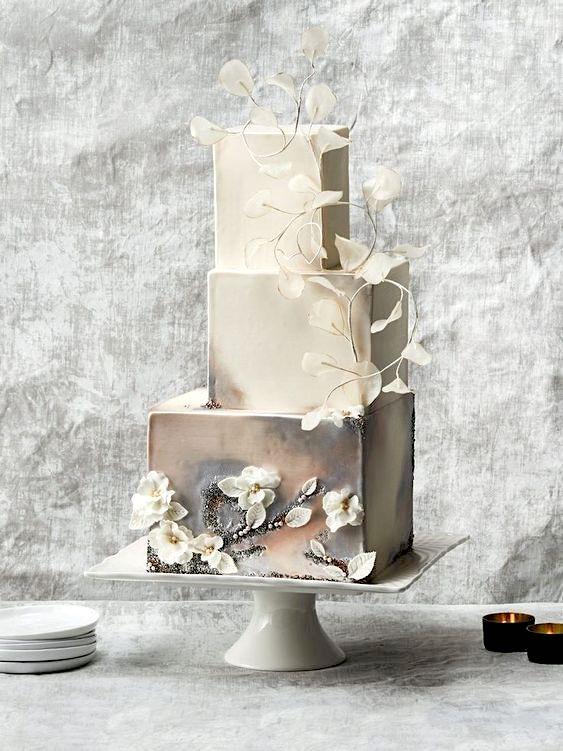 Gâteau de mariage avec un peu de punch