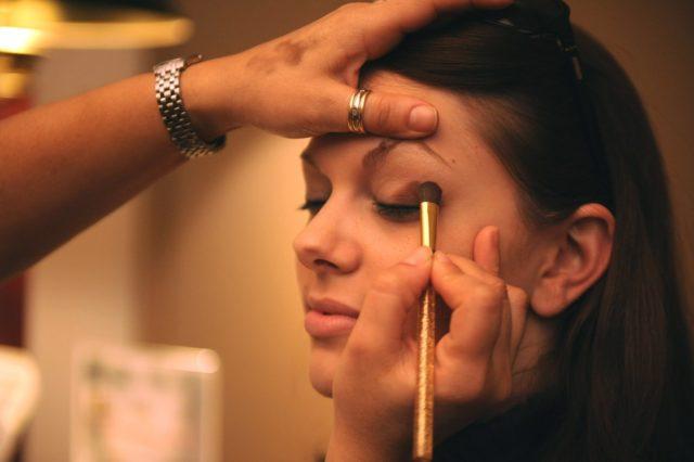 Maquillage pour un visage ovale