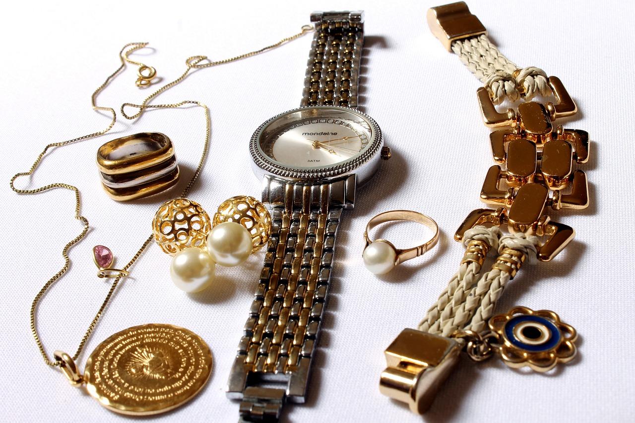 Bien choisir les bijoux pour booster votre look