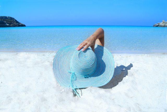Chapeau de soleil à large bords