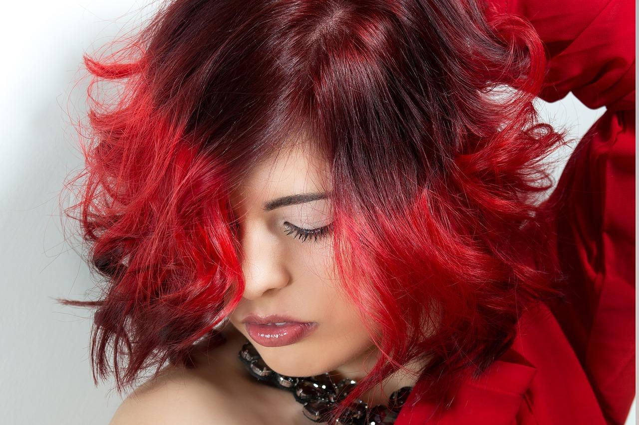 Quelle est la coupe de cheveux qui convient à la forme de votre visage ?
