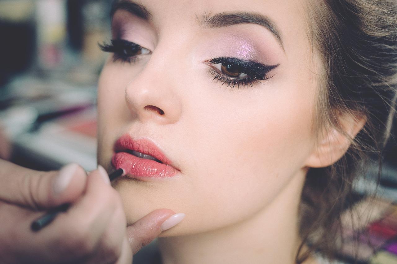Ajouter de couleur sur les lèvres
