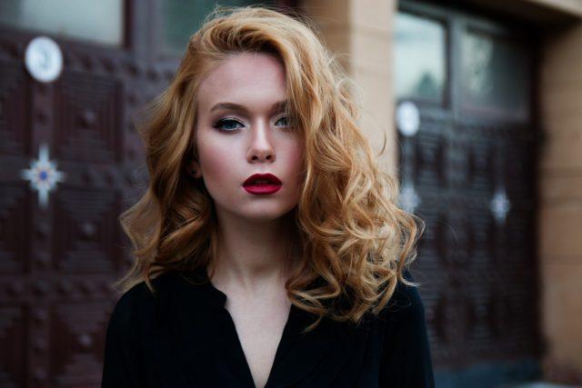 Maquillage pour une robe noire