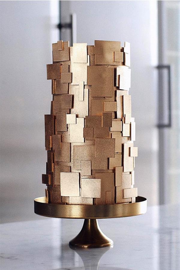 gâteau de mariage avec des formes géométriques