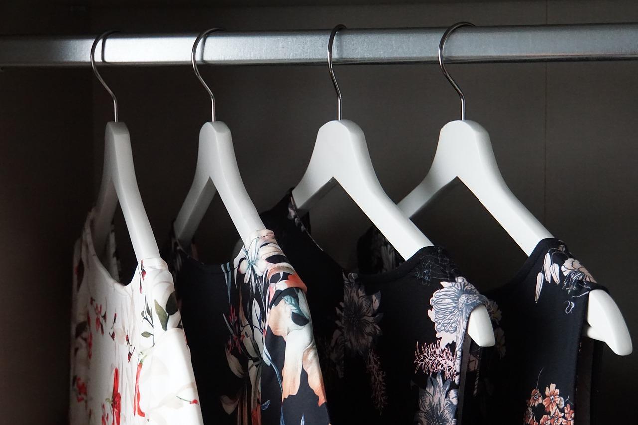 5 idées de présentoir de vêtements à faire vous-même