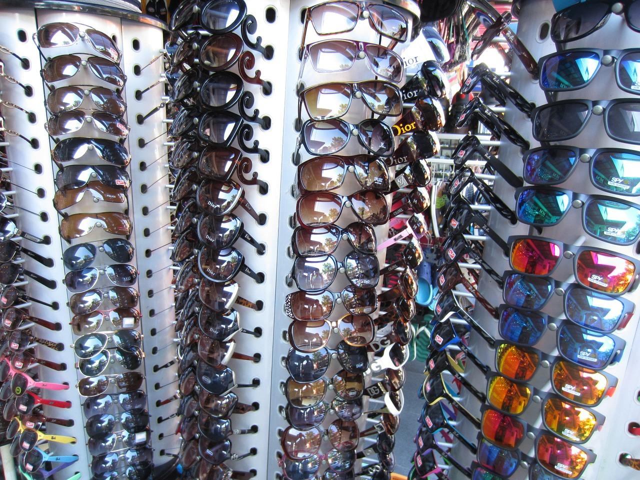 Les lunettes de soleil qui correspond à la forme de votre visage