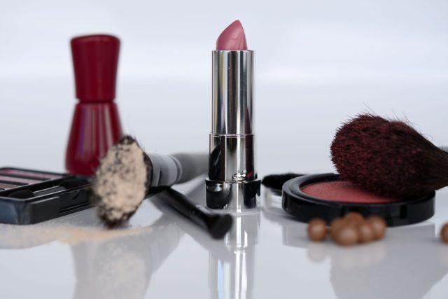 Maquillage invisible et naturel