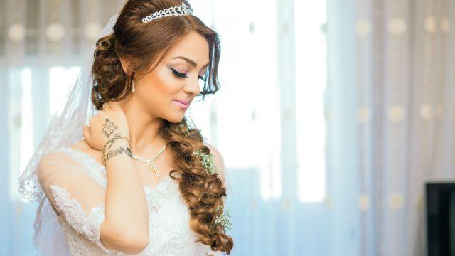Où et comment trouver la bonne maquilleuse pour son mariage ?