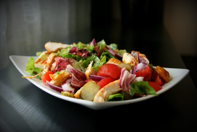 Mangez un plat simple