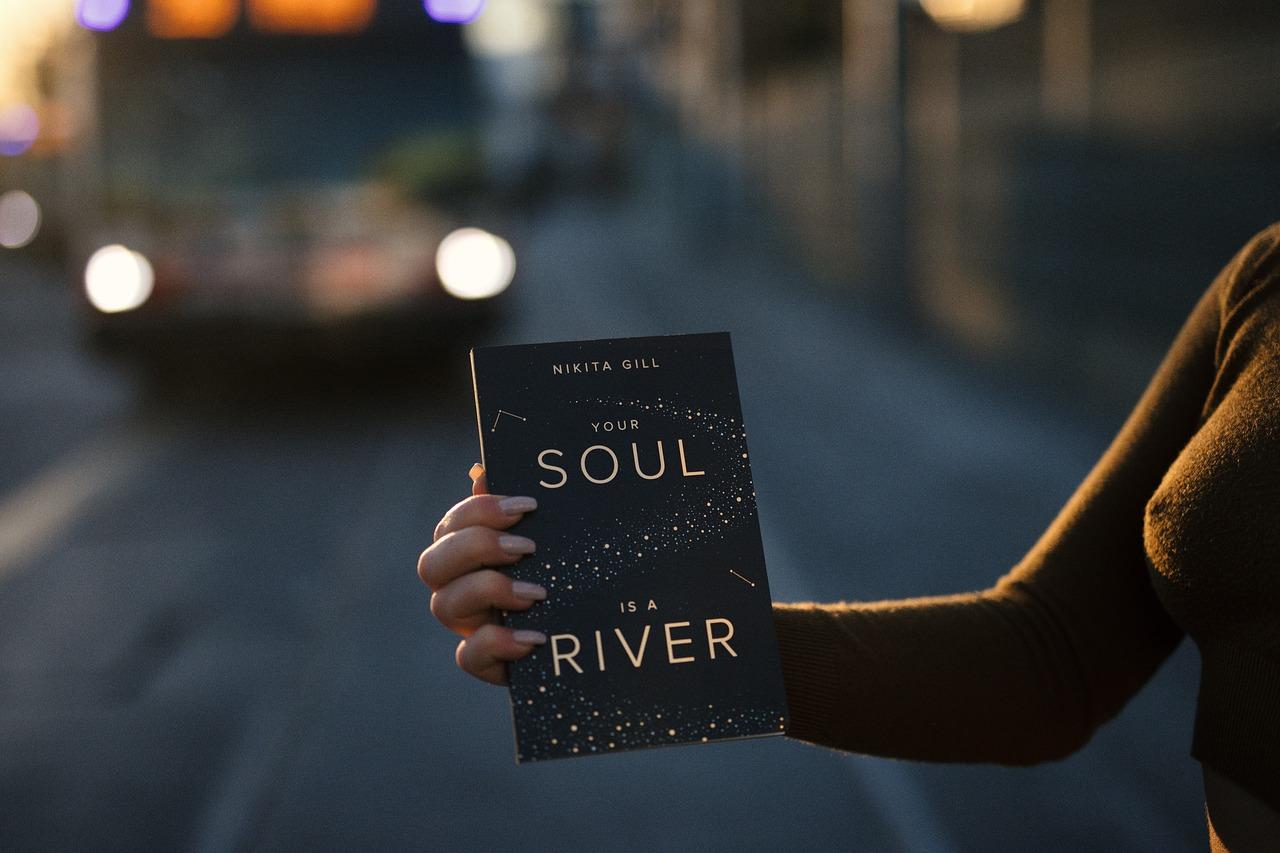 Comment faire son book pour un recueil de poèmes ?