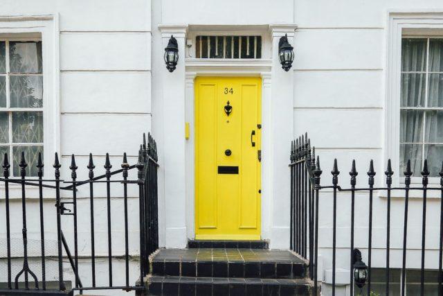 Peindre la porte d'entrée