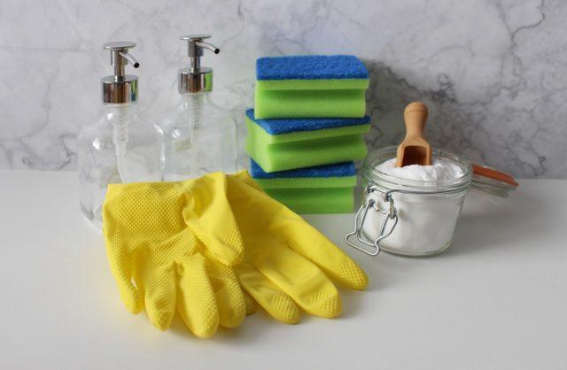 N'utilisez que des produits nettoyants appropriés