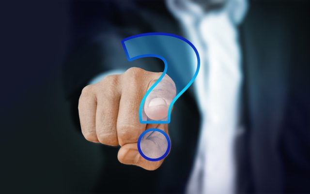 Poser des questions avant de réserver une chambre d'hôtel