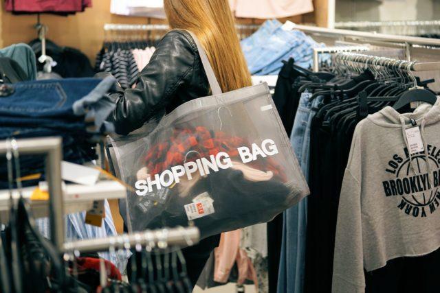 Pour ou contre pour les sacs transparents ?