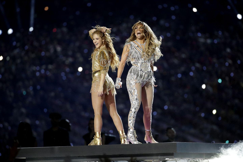 Décryptage du look de Shakira et Jennifer Lopez au Super Bowl 2020