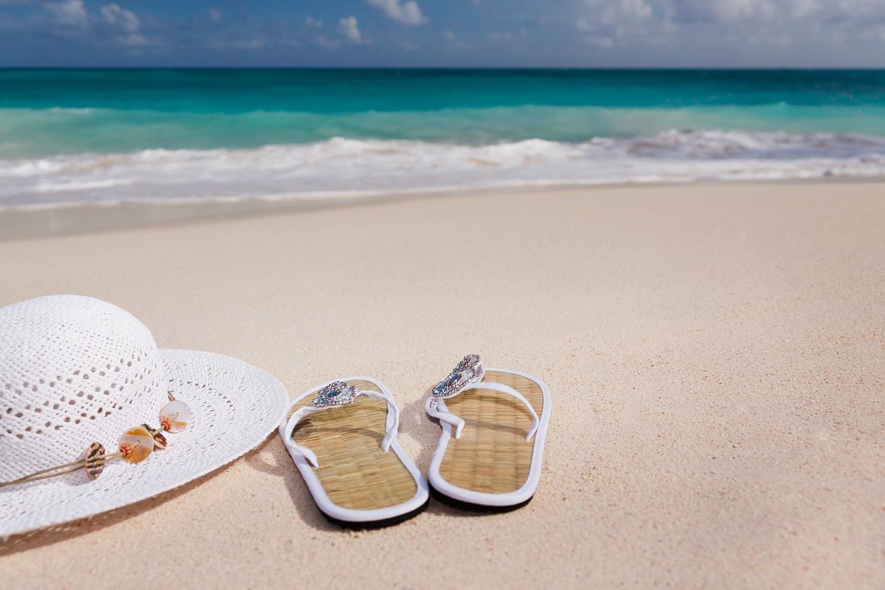 Les essentiels à apporter pour des vacances sous le soleil