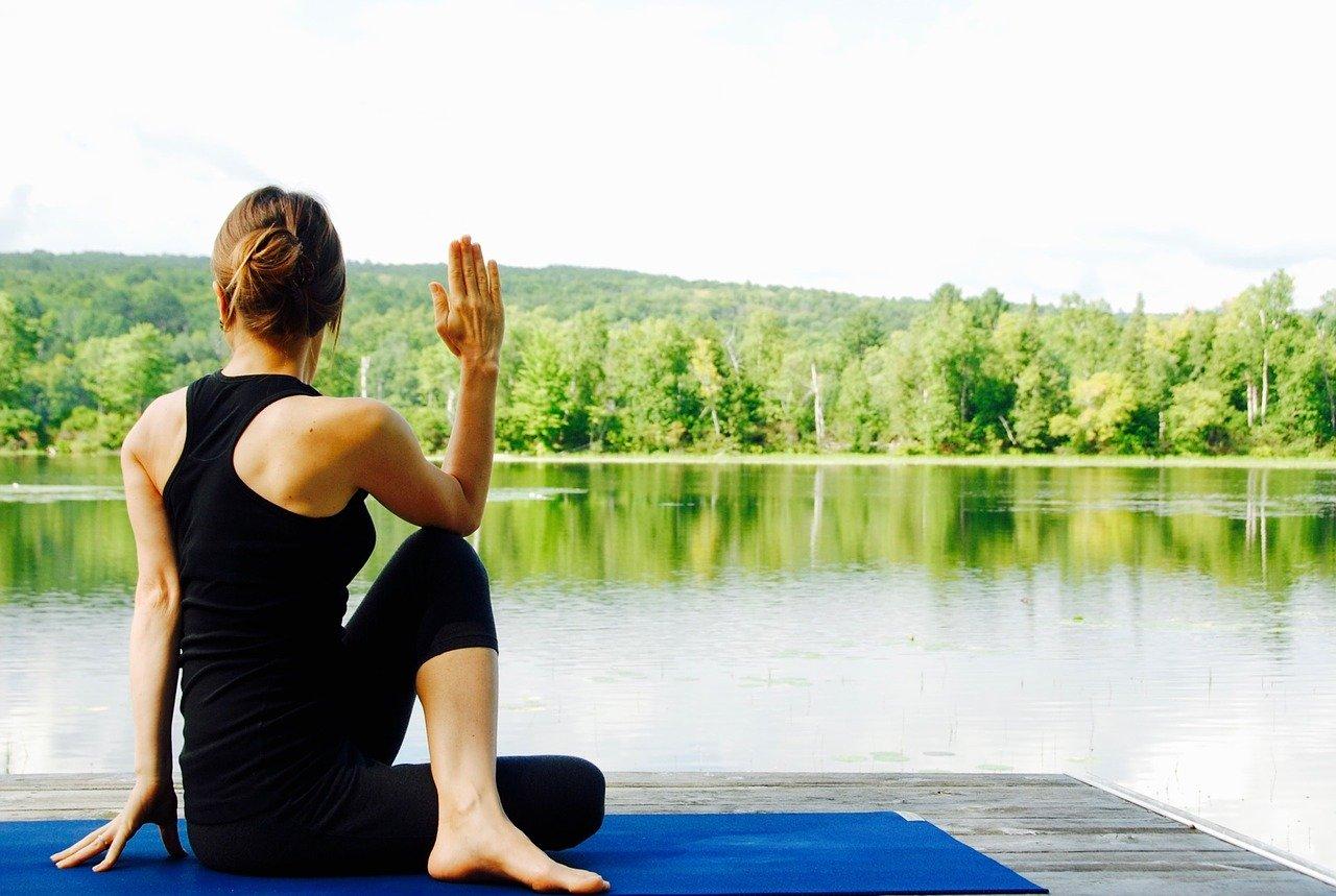 Quels vêtements de yoga porter pour favoriser son bien-être ?